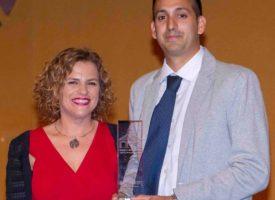 El periodista argentino Matías Sartori, recibe el Premio al 'Mejor Artículo Periodístico' en Valencia